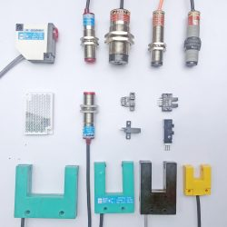 M30 Analog Proximity Switch 4-20 mA Output Sn : 0-15 Mm
